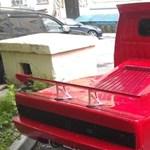 Az oroszoknak sikerült a lehetetlen: Ferrarit varázsoltak egy kisteherautóból