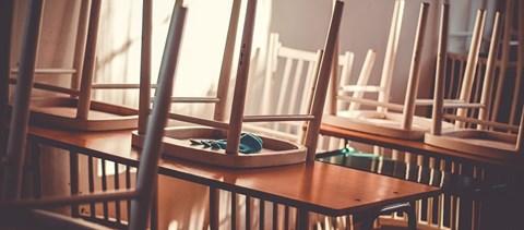 Egy gimnázium 74 tanára és dolgozója állt ki az iskolanyitás miatt aggódó kollégáik mellett