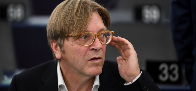 "Verhofstadt's party family joined the Momentum ""width ="" 800 ""height ="" 370"