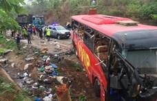 Buszok ütköztek Ghánában, legalább 60-an meghaltak