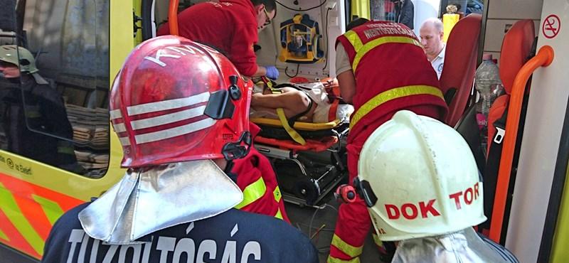 Tűz volt egy budapesti házban, egy halottat találtak