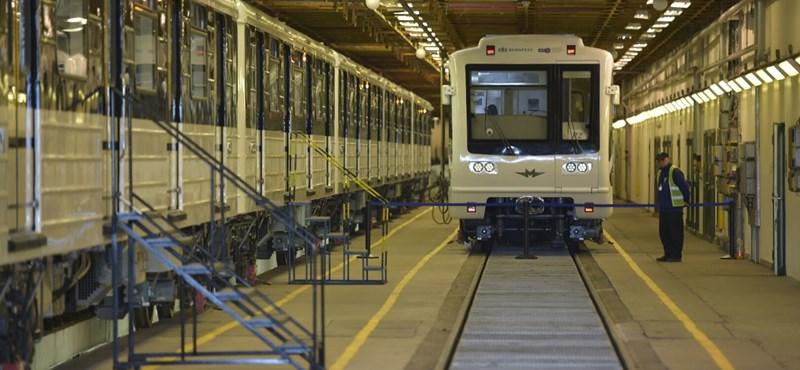 """3-as metró: már három """"panda"""" viszi az utasokat"""