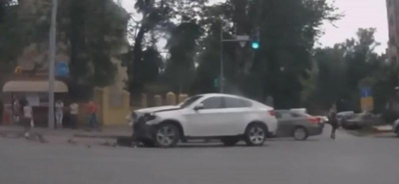 Az oroszok külön válogatást csináltak a BMW X6-os csattanásoknak – videó