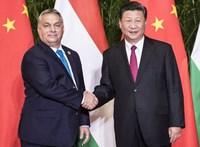 Le Monde: Kína kísértésbe viszi Orbán Viktort