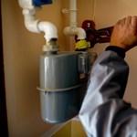 Szombattól nem kell fizetnie, amikor beköti a gázt, a villanyt és a vizet