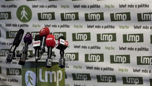 Az LMP korrupciós botrányról beszél, két egyetemet is megneveztek