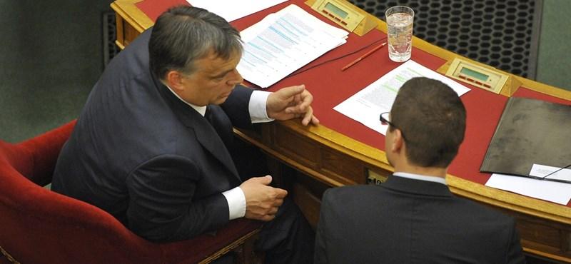 Závecz: A Fideszben él a félelem