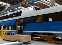 MÁV: Nem fér be mindenhova az emeletes vonat