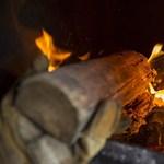 A fával tüzelők sem maradnak ki az idei téli rezsicsökkentésből