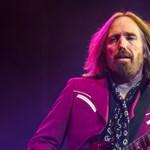 Különös-különleges helyen temették el Tom Pettyt