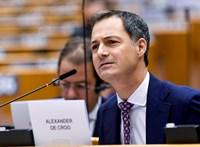 Belgiumnak 650 nap után ismét van kormánya, úrlovas miniszterelnök vezeti