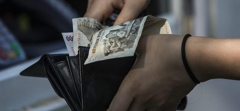 PIN-kódnak hitte a lopott pénztárcában felírt számokat a bankkártyatolvaj, lebukott