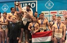 Boldog magyar szumósok