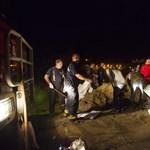 Megcsúszott egy gát: 30 embert telepítenek ki