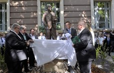 Heisler András: Nyugi, beszélgessünk, mielőtt szobrot állítunk