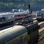 Ingyen vonatbérletet adna az MSZP a 18 éveseknek