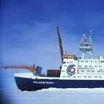 Körbehajózta a gigantikus A74 antarktiszi jéghegyet a Polarstern kutatóhajó