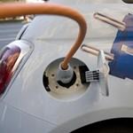Vége az elektromos autók ingyentöltésének, de miért is jó ez?