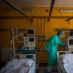 57 egészségügyi dolgozó halt meg a járvány miatt