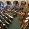 Népszava: Felhagy az ellenzék a radikális parlamenti akciókkal