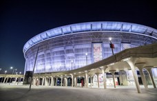 Tizenegy hónap, hat meccs után cserélik a Puskás Aréna gyepét, azért nem játszhat ott a Fradi