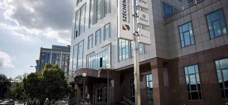 Ömlik ki a sok súlyos ügy a Széchenyi Bankból