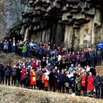 Nincs ennél menőbb családi fotó: egy kínai família 500 tagja pózol