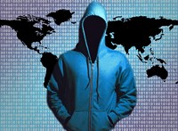 Pornós zsarolásokra figyelmeztet a nemzetbiztonság