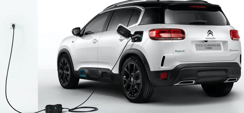 50 kilométert tud villannyal a Citroën új divatterepjárója