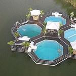 Úszó medencék