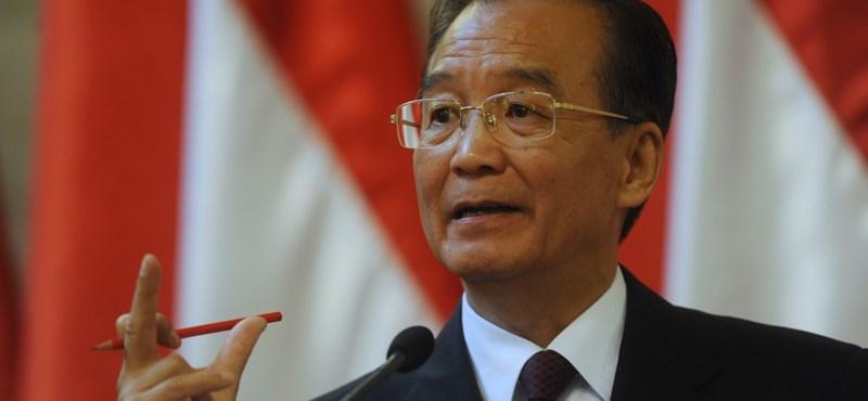 Teljes reformot akar a kínai miniszterelnök