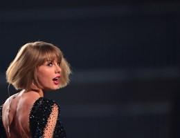 Bosszút állna a zaklatással vádolt menedzseren Taylor Swift