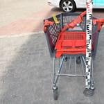 Bevásárlókocsival dobálózott a veszprémi belvárosban
