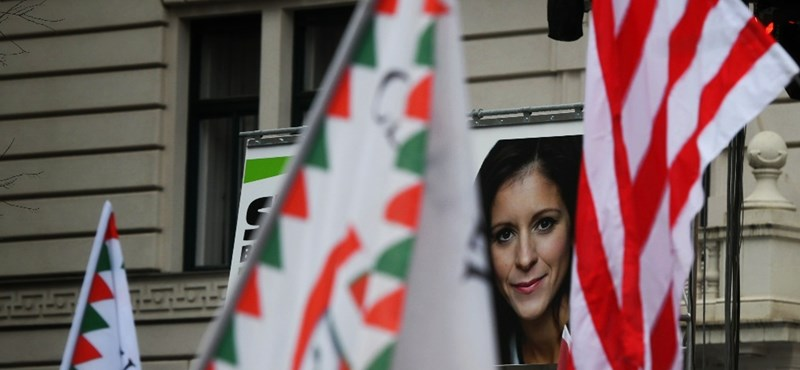 A Jobbik jelöltje azt mondja, csak viccelt azzal, hogy fizetne azért, hogy az LMP visszalépjen a javára