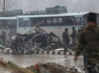 Súlyos iszlamista merénylet történt Kasmírban