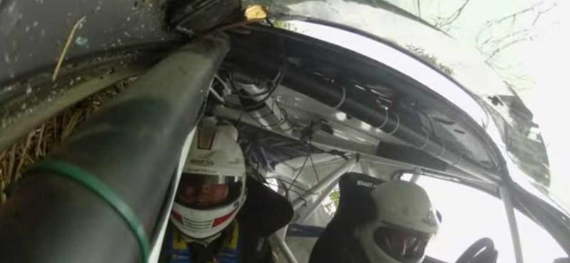 Ilyen nagyot lehet esni egy ralis Renault Clióval - videó