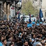 Hatalmas lesz a mai CEU-tüntetés, kék színbe borulhat a Budapest belvárosa