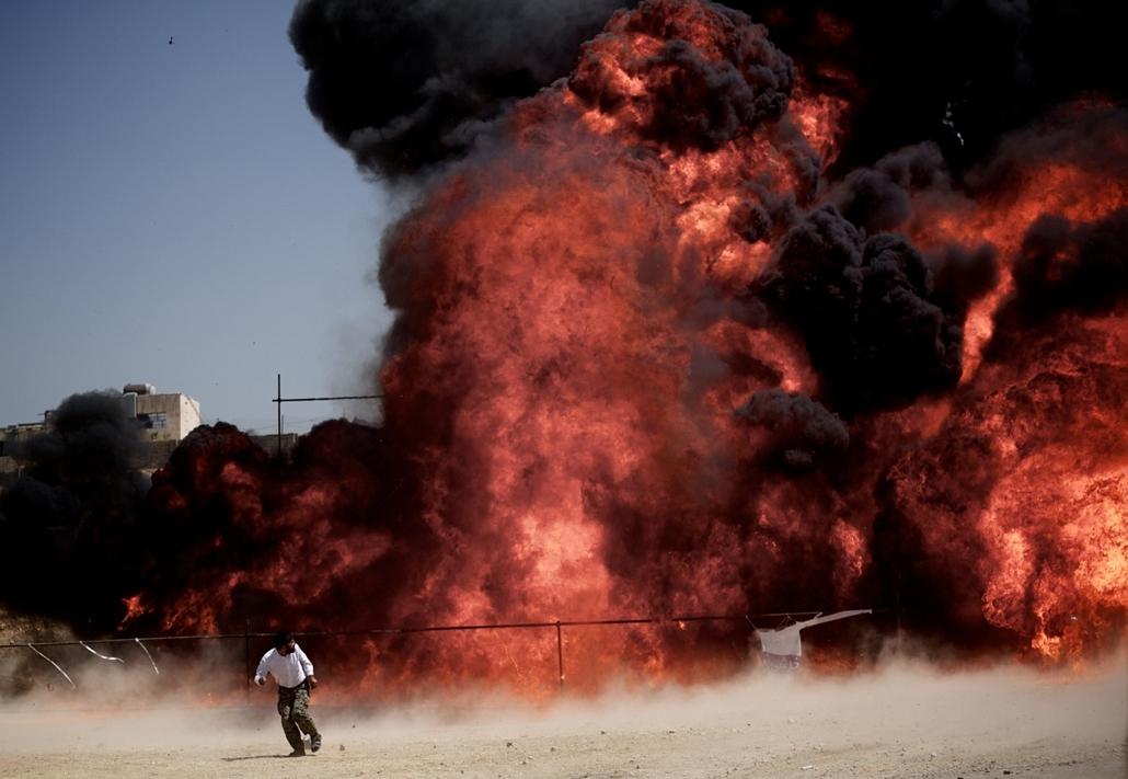 Irán: mintegy ötven tonna kábítószert robbantottak fel Teheránban - a hét képei