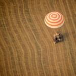 Fotó: szántóföldön landolt a Szojuz leszállóegysége