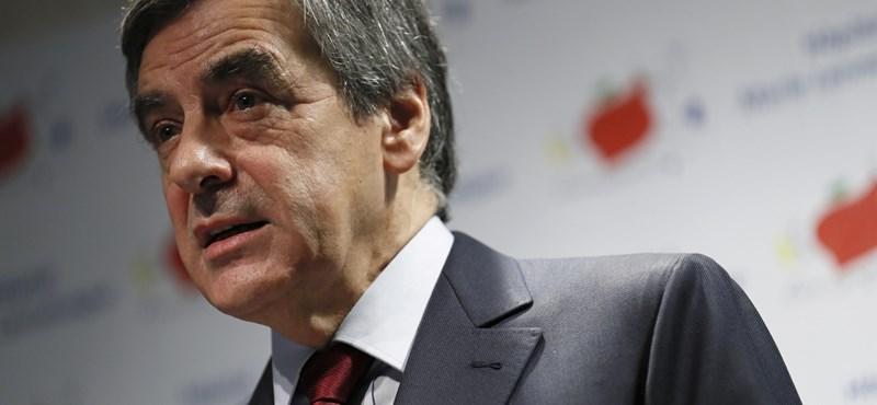 Itt a vége, Fillon? A politikus önkritikát gyakorolt, és meglobogtatta a fehér zászlót