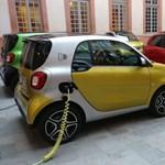 Városban verhetetlen elektromos Smartokat vezettünk