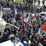 Azerbajdzsán megnyerte a karabahi háborút, az örmények leszámolástól tartanak