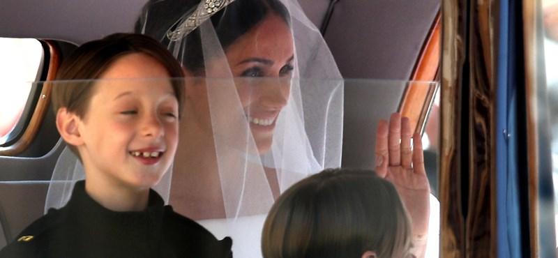 Végre kiderült, miért készülhetett el a hercegi esküvő legcukibb fotója