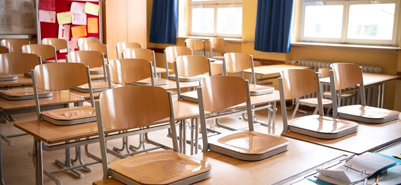 Újabb iskolákat kell bezárni - most Ausztriában okoz gondot a vírus