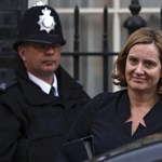 Milliárdokra büntetné a brit kormány az illegális tartalmakat közlő közösségi portálokat