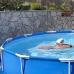 Kapás Boglárka megtalálta a módját, hogy a karanténban is úszhasson