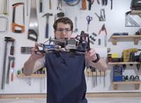 Egy youtuber megépítette Batman legendás fegyverét, a kézből kilőhető csáklyát