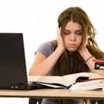 Furcsa módszerrel lazítanak a vizsgázó egyetemisták