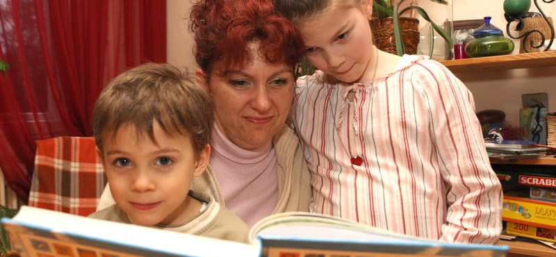 Olvassunk a gyereknek mesét, ha jó tanulót akarunk faragni belőle!