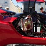 Tekerje meg és repüljön a világ leglassúbb Ferrarijával - videóval